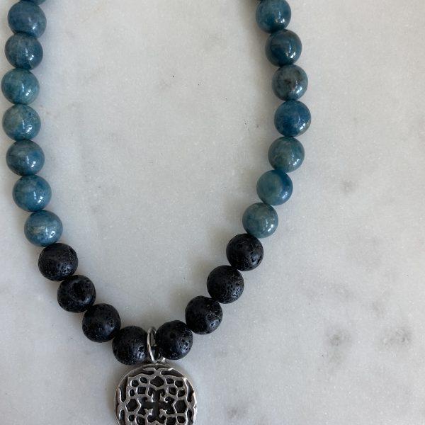 Necklace : Apatite + lava